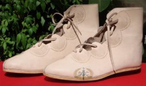 Zwammerdam - new 2nd century boots